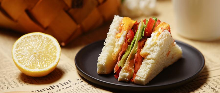 摄图网_500532290_wx_水果与三明治美食组合(企业商用).jpg